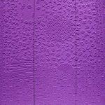 Lettres et nombres sur fond violet