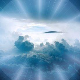 Lumière à travers les nuages